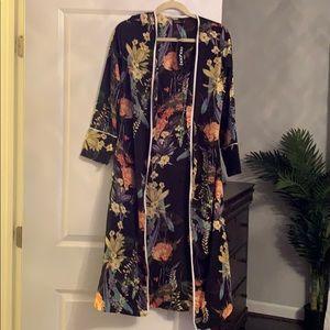 Boohoo kimono size medium